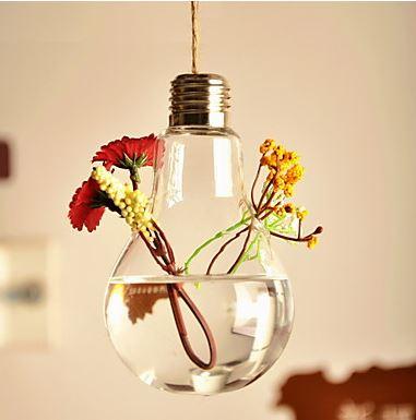 hängende-glühlampen-blumenvase