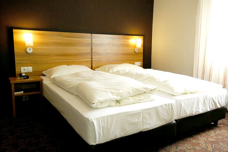 2 bernachtungen im taunus inkl fr hst ck dinner wellness massage thermenbesuch ab 99 p p. Black Bedroom Furniture Sets. Home Design Ideas