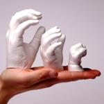 Hand Gipsabdrücke auf einer Handfläche