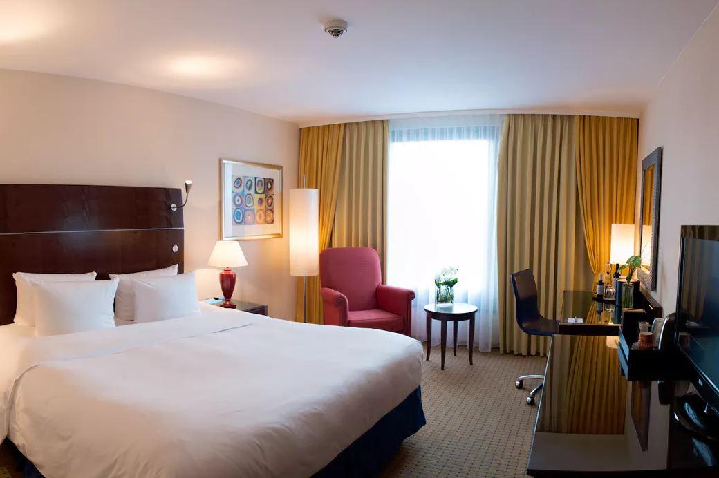 tipps tricks f r g nstige hotels sparen vor und nach der zimmer buchung. Black Bedroom Furniture Sets. Home Design Ideas