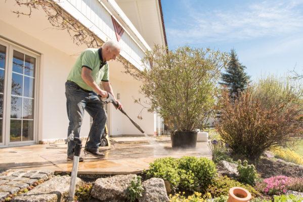 Terrasse säubern mit dem Hochdruckreiniger