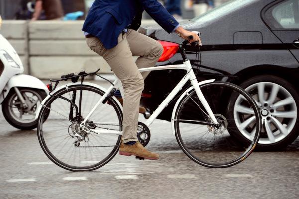 Firmen-Fahrrad-und-Auto
