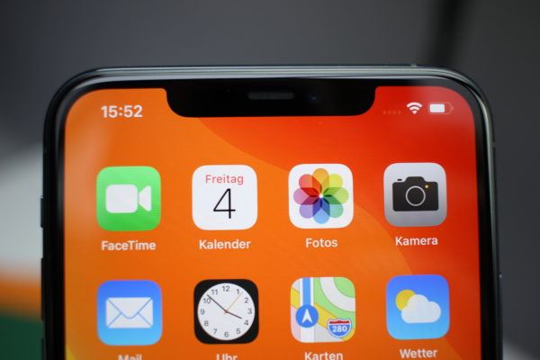 iPhone 11 Pro Notch