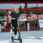 e_scooter_to_go_mediamarkt_und_saturn_vermieten_ab_sofort_bundesweit_mit_grover_elektro_tretroller