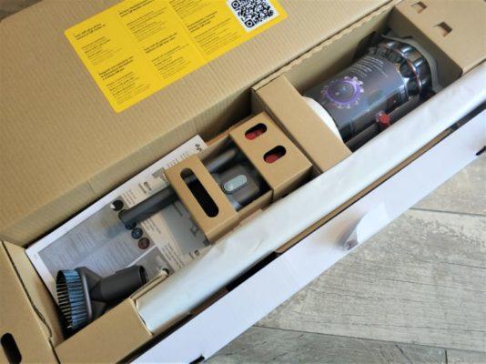 Dyson V11 Absolute Akkustaubsauger Verpackung Lieferumfang