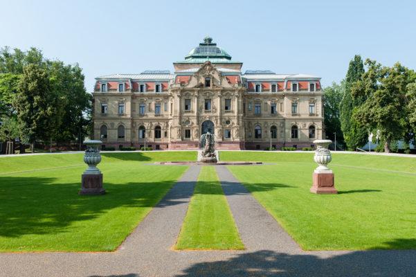 bgh_palais mit Brunnen