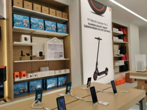 Xiaomi_Store_Scooter_Smartphones