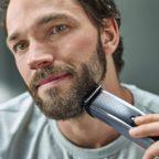 Mann_rasiert_sich