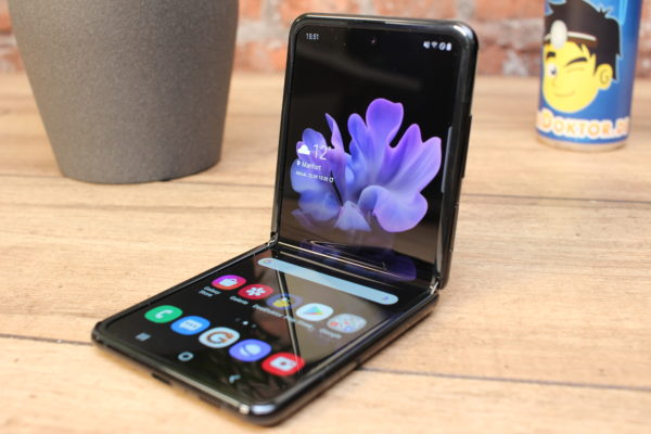 Samsung_Galaxy_Z_Flip