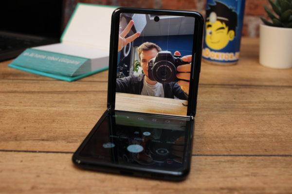 Samsung_Galaxy_Z_Flip_Frontkamera