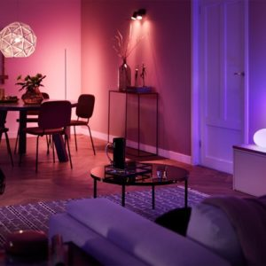 philips-hue-white-and-color-ambiance-lifestyle-wohnzimmer-3