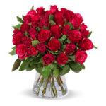 Rote-Rosen-in-Vase