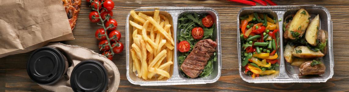Take-Away-Essen in Einwegverpackung